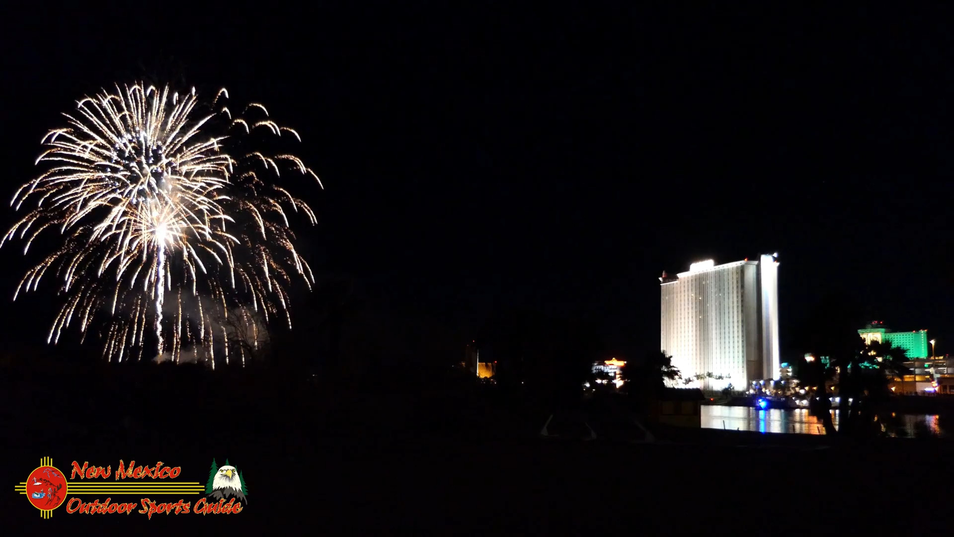 Colorado River Fireworks Laughlin, Nevada Christmas Night 2020 FZ2500