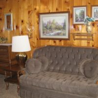 Mountain Shadows Lodge Doc Holiday – One room kitchen lodging for 4