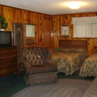 Mountain Shadows Lodge Jesse James – Two room two bath and kitchen lodging for 6